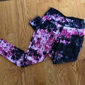 Apaña size medium leggings